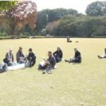 本丸跡の大芝生(ここでの昼食は何とも長閑)